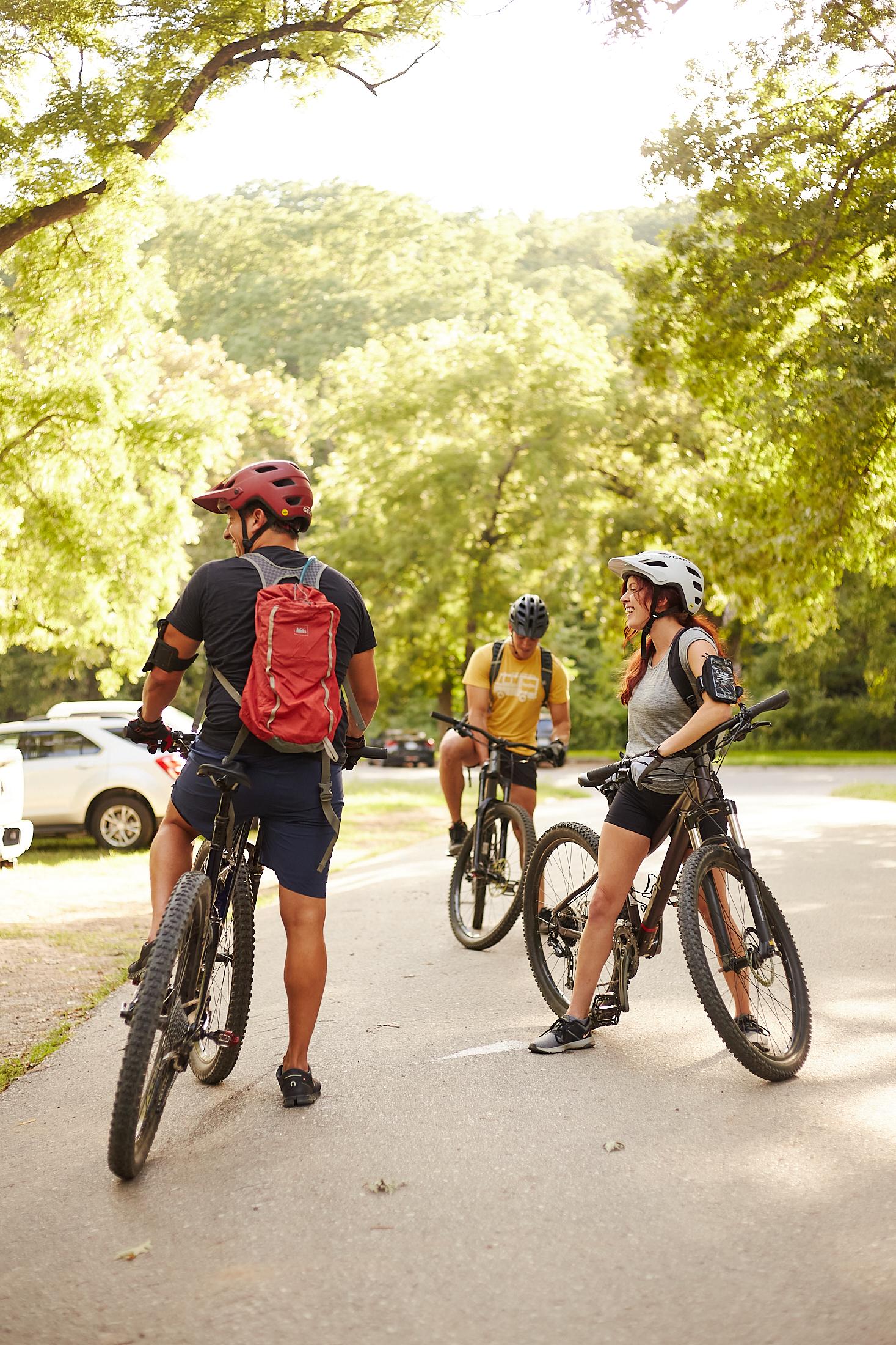 mountainbiking3381Hires
